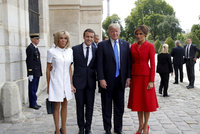 Den Bastily: První babička Francie, hulvát a lady Trump