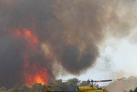 Jih Francie v plamenech: Evakuováno bylo na 10 tisíc lidí