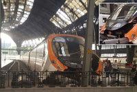 Vlak vletěl v Barceloně na nástupiště. 48 lidí je zraněných