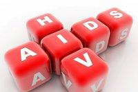 Čechů, kteří vnímají AIDS jako problém, ubývá. Ale 16 procent se stále obává nákazy