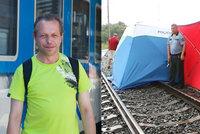 Svědek vypadnutí holčičky z vlaku: Něco se mihlo, pak bouchly dveře. Matku jsem našel schoulenou v chodbičce