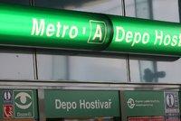 """Víkendová výluka na """"áčku"""": Metro mezi stanicemi Skalka a Depo Hostivař kvůli opravám nepojede"""