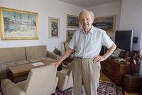Přišel o ženu i vilu. S kým a kde Jakeš oslaví 95. narozeniny?
