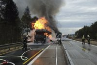 Ohnivé peklo na D1: Vzplál kamion s melouny, na silnici vytekla hořící nafta