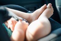 Mladá máma (17) nechala syna (†2) v rozpáleném autě: Nechtěla ho budit, dítě zemřelo