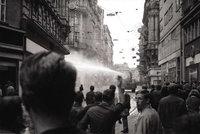 50 let od srpna 1969: Milicionáři stříleli do lidí a vyhaslo pět životů