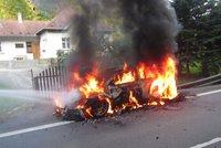 Na Barum rallye shořelo závodní auto: Škoda šest milionů