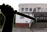 Domácí násilí s tragickým koncem: Igor ubodal manželku (†41) v policejním autě!
