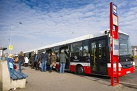 Na Kačerově a v Ďáblicích autobusům přemístili zastávky. Provoz to má zlepšit