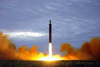 Kim otestoval vodíkovou bombu pětkrát silnější než v Nagasaki. Trump hrozí jadernou válkou