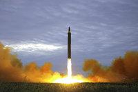 """Kimův režim opět """"zlobí"""": Odpálili dvě rakety, varují jižní sousedé"""