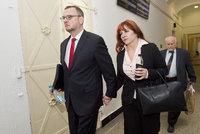 Nečasová u soudu odmítla vypovídat. Znalec uznal zdravotní omluvenky