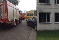 V areálu letiště Vodochody hořelo: Od nabíječky chytl studentský pokoj