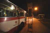 Malé velké stěhování v Satalicích: Autobusová zastávka se posunula o několik desítek metrů