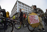 Zmizí cyklisté z pěších zón v centru? Praha 1 chce, aby zákaz začal platit od jara 2018