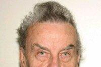 U Fritzla (83) se začala projevovat demence. Incestní zrůda ve vězení dělá podřadné práce