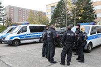 Šestice cizinců sexuálně napadla dvě mladé dívky v centru města. Honili je jako lovnou zvěř