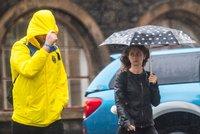 Deštníky a dlouhý rukáv. Sobotní teploty vystoupí nejvýš na 22 °C