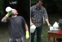 Kluk (17) se vsadil, že vypije sklenici bělidla: Teď bojuje o život