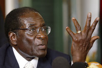 Zemřel bývalý diktátor Mugabe (†95). Dlouhodobě byl nemocný