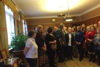 První setkání pražských kronikářů má zavést tradici. Primátorka ocenila jejich význam