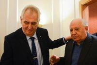 Zeman se v Rusku setkal s Gorbačovem. Bývalý vůdce SSSR byl ještě v sobotu na kapačkách
