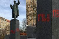 """Břímě palčivé minulosti. Praha 6 chce osud """"nechtěného"""" Koněvova pomníku řešit referendem"""