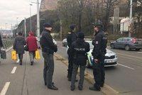 Rybáři vytáhli z Vltavy granát. Policie evakuovala vyšehradské hradby