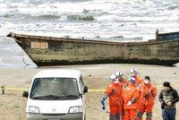 Lodě duchů: Na japonské pláže připlouvají vraky s mrtvolami ze Severní Koreje
