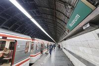 Ve stanici metra Muzeum cestující nevystoupí: Až do neděle tu probíhají opravy