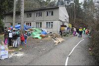 Vybydlené domy a šílené nájmy: Ministerstvo chce zatočit s obchodníky s chudobou, co plánuje?