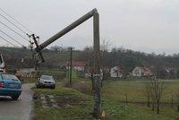 Časté výpadky elektřiny na východu Prahy. Zemědělci porazili stožár vysokého napětí