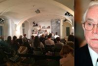 V knihovně Václava Havla se vzpomínalo a četlo: Ve čtvrtek proběhlo Čtení pro Josefa Škvoreckého