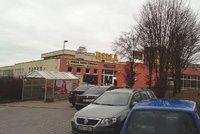 """Diskuze o výstavbě u supermarketu na Kamýku: Investor zve do """"CAMPu"""""""