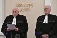 """Češi uvidí úřadům dál """"pod pokličku"""". Ústavní soud odmítl návrh na zrušení registru smluv"""