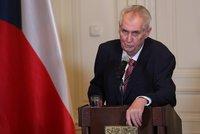 """ŽIVĚ: Zeman přijel řešit """"katastrofu ČSSD"""". Podívejte se na jeho projev"""