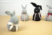 Snadné velikonoční dekorace: Vyrobte si velikonočního zajíčka z ponožky!