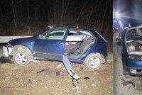 Řidič (24) na Šumpersku nezvládl řízení: Svodidla mu projela autem!