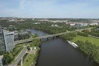 """Libeňskému mostu prodlouží """"život"""" o 50 let: Opravy mají trvat 32 měsíců, vyjdou na 560 milionů"""