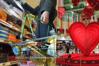 Češi se zbláznili do Valentýna. Hromadně nakupují dárky, roste online poptávka kondomů