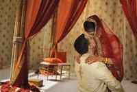 Indičtí rodiče nechtějí dcery. Aby počali chlapce, dávají postel na západ