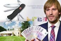 """Luxus, dárky a divné faktury: Ministr podává kvůli """"ztraceným"""" milionům trestní oznámení"""