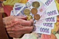 Babišova vláda kývla na vyšší důchody. Tisícovku dostanou lidé nad 85 let