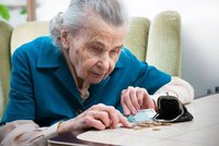 Falešný vnuk ošálil babičku (80): Vymámil z ní celoživotní úspory – 350 tisíc!