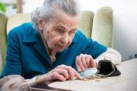 Babička z Ostravy vytřepala povlečení z okna i se 100 tisíci! Než seběhla před dům, byly pryč