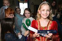 Janečkova Emilly slavila 10. narozeniny: Dárek nevyčíslitelné hodnoty a tři oslavy!