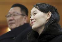 """""""Ďábelská žena"""" z KLDR: Úředníci mají obrovský strach z Kimovy sestry. Proč?"""