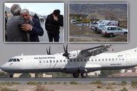 """Našly se trosky letadla s 65 mrtvými. Pilot to zřejmě """"napálil"""" do hory"""