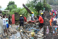 Obří hromada odpadků zabila nejméně 17 lidí. Měřila přes 15 metrů