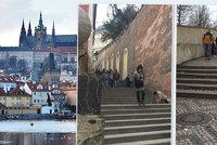 Místo, kde maloval Zrzavý a vyhrával Hašler: Na Pražský hrad vedou Zámecké schody. Kde vzaly svůj název?